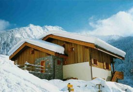 The chalet in winter - Le chalet en hiver